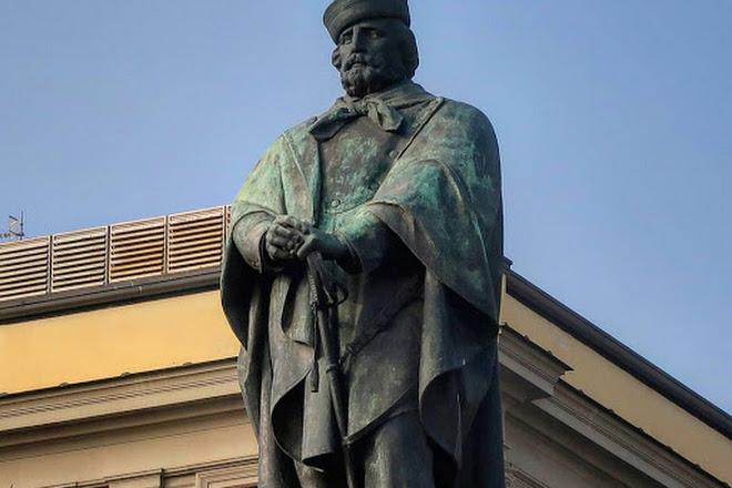 Statua Di Garibaldi, Naples, Italy
