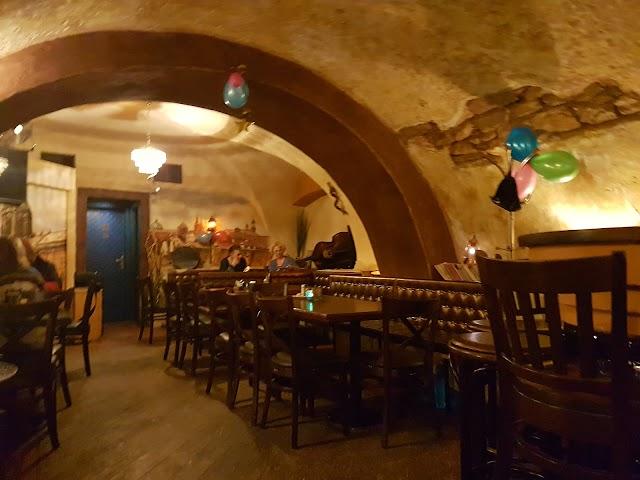 Nicolas Bar & Restaurant