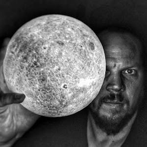 Entre Les Mondes - Ludovic Isoz