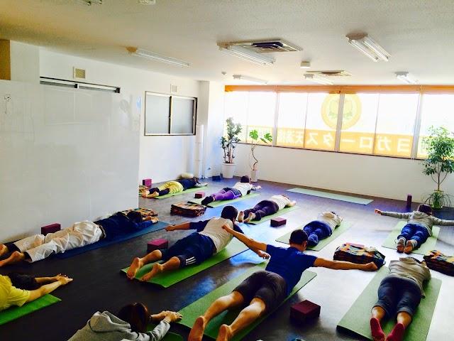 ヨガロータス天満橋 Yoga Lotus Tenmabashi