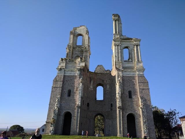 Vestige De L'Abbaye Du Mont Saint Eloi