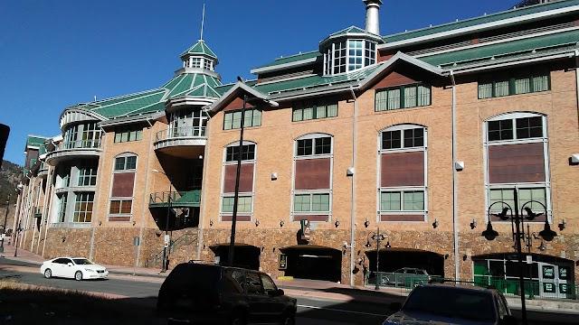 Lodge Hotel & Casino