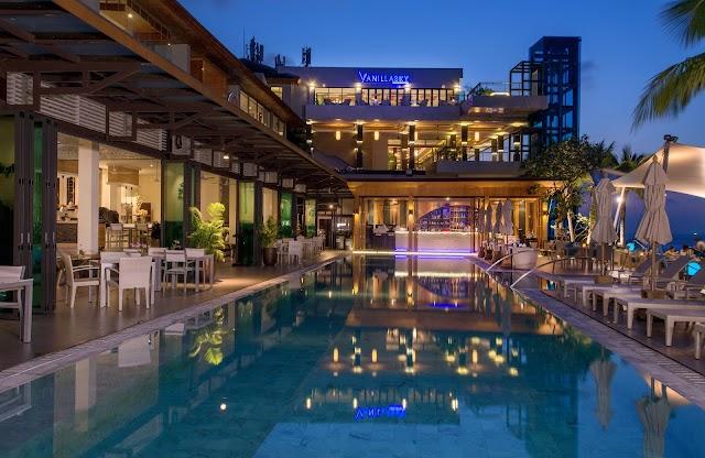 Cape Sienna Hotel