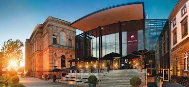Best Restaurants in Frankfurt : Holbein's