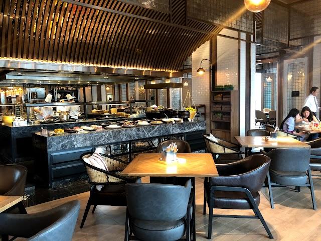 Praya Kitchen - Bangkok Marriott Hotel The Surawongse