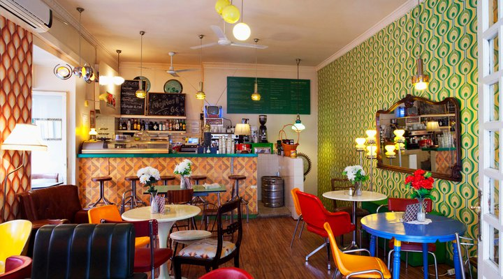 Lolina Vintage Café: A Work-Friendly Place in Madrid