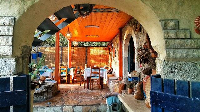 Maria's Tavern