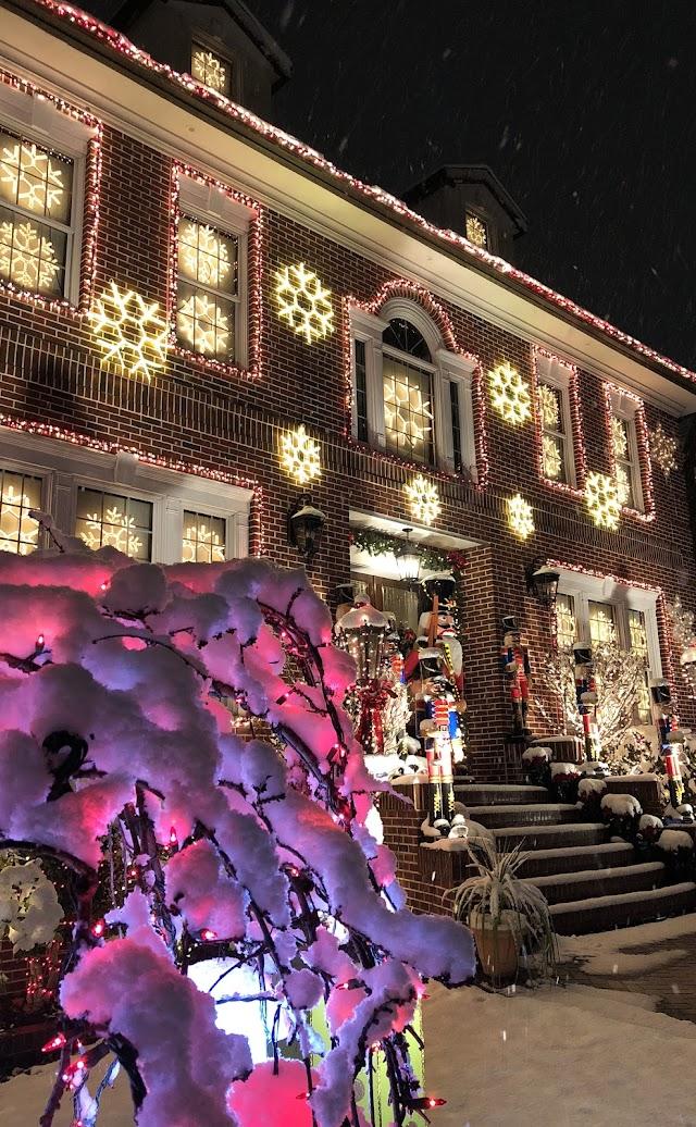 Dyker Heights Christmas Lights Tour
