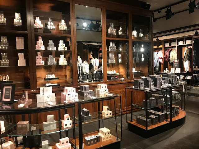 Abercrombie & Fitch Flagship Store