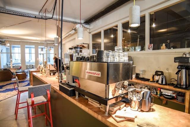 Tumult Café