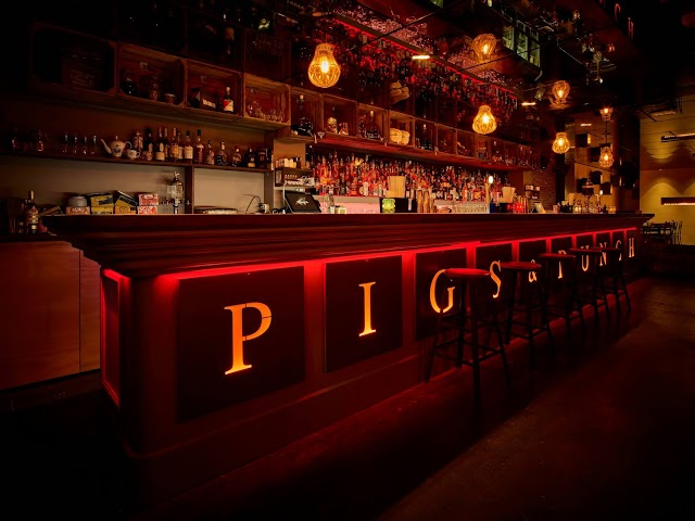Pigs&Punch kitchen and cocktails