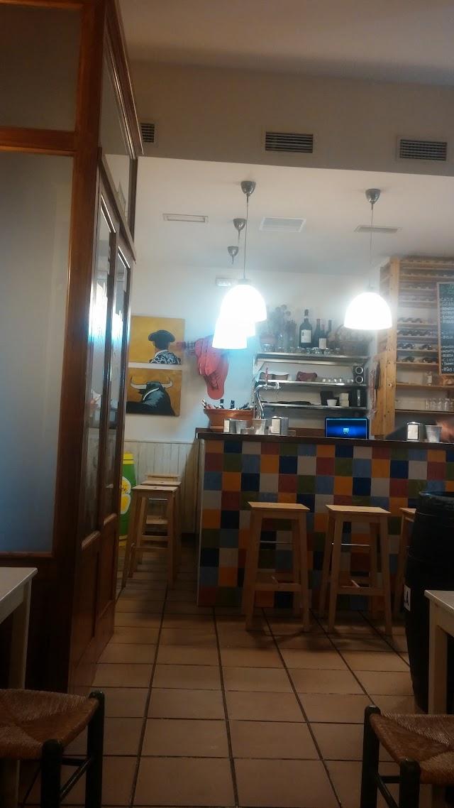 Taberna y Restaurante Canela En Rama