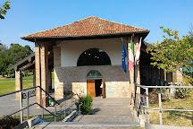 Biblioteca Chiesa Rossa, Milan, Italy