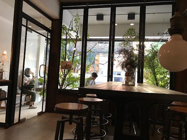 Omnia Cafe & Roastery