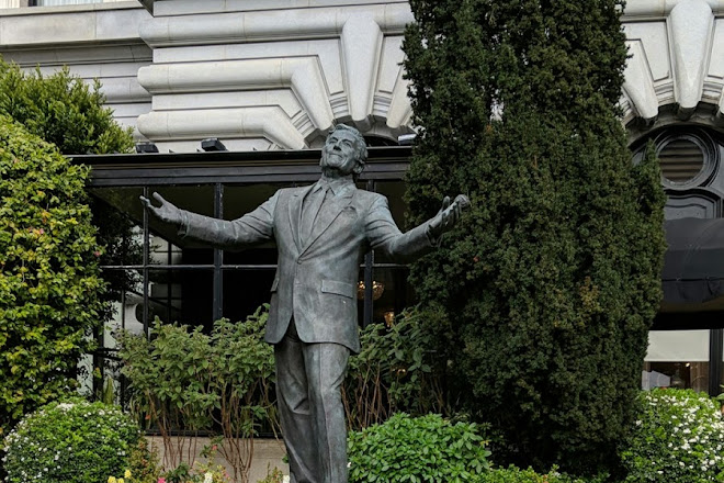 Tony Bennett Statue, San Francisco, United States