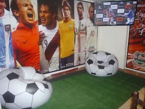 La Barra Sports café 7