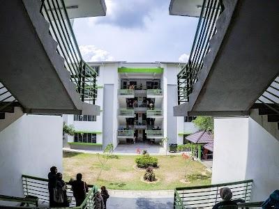 Smk Bandar Seri Putra Selangor 60 3 8926 5675