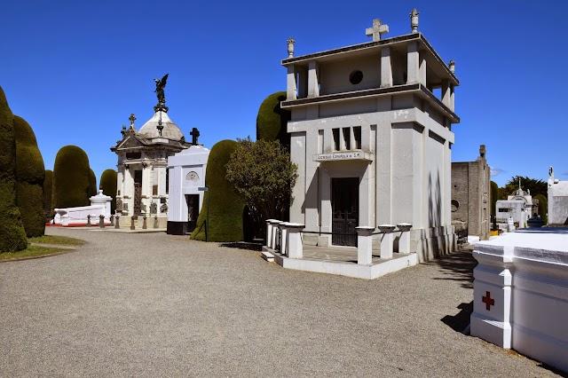 Cementerio Municipal Sara Braun