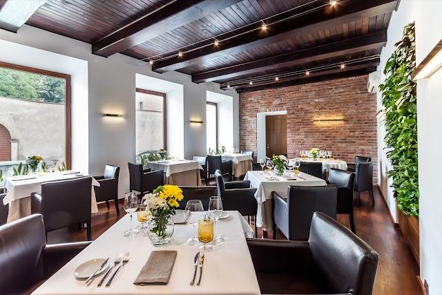 Albertina Restaurant & Wine