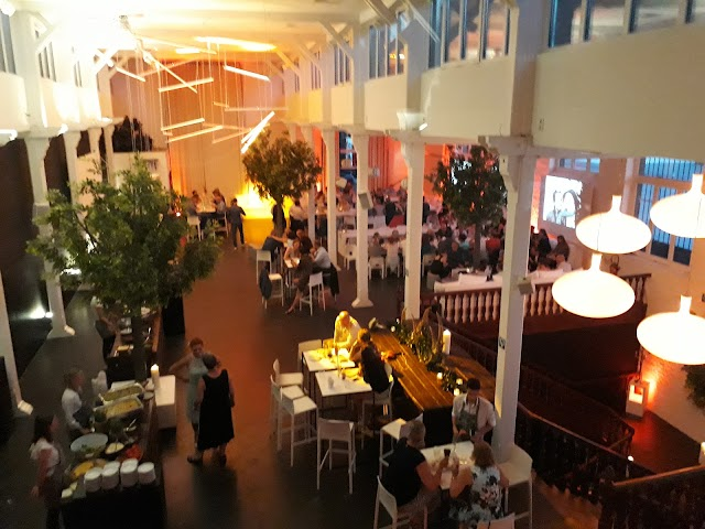 zaal Lux
