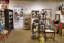 The Town Peddler Craft and Antique Mall, Livonia, United States