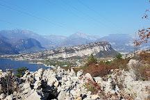 Sentiero panoramico Busatte Tempesta, Torbole, Italy