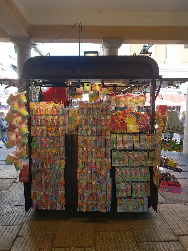 COVENT GARDEN SWEETS STALL