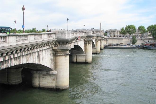 Pont de la Concorde, Paris, France