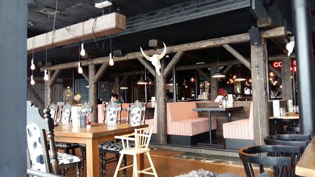 Colorado Bar & Grill