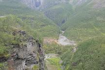 Lyngenfjord Bungee, Birtavarre, Norway