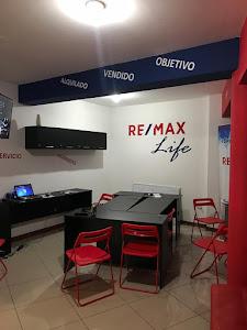 REMAX Life Trujillo 7