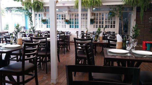 Restaurante Família Oliveira