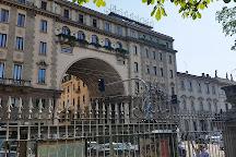 Palazzo della Societa Buonarroti-Carpaccio-Giotto, Milan, Italy