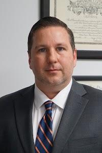 Tax Attorney OC - Daniel Layton