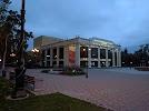 Сахалинский Международный театральный центр им. А.П. Чехова на фото Южно-Сахалинска
