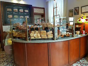 La Mora Patisserie & Café 4