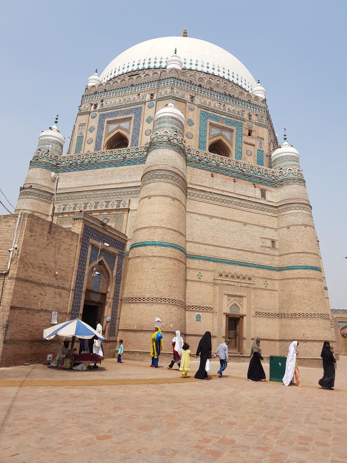 Visit Darbar of Hazrat Shah Rukn-E-Alam on your trip to Multan