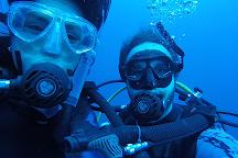 Dumaguete Divers, Dauin, Philippines