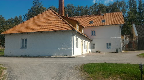 Mooste manor
