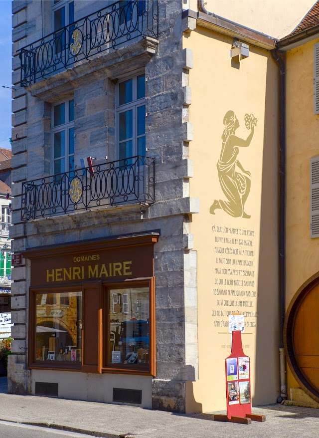 La boutique des Domaines Henri Maire