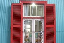 Galeria Espacio Rojo, Valparaiso, Chile