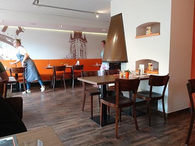 Preuverie de Toren Cafetaria, Familierestaurant en Cateringservice