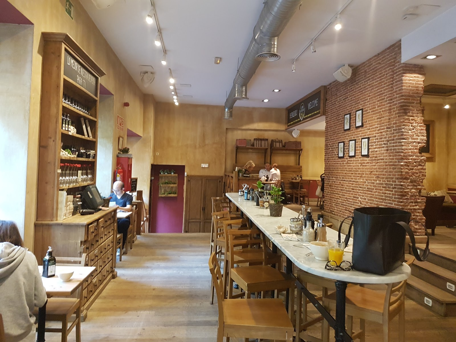 Le Pain Quotidien Serrano: A Work-Friendly Place in Madrid
