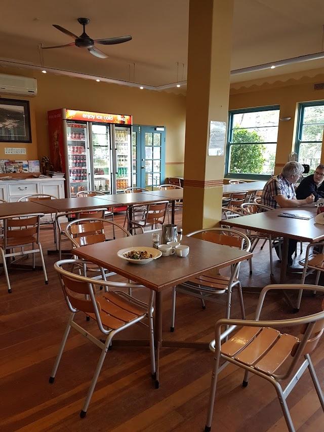 Bobbin Inn Cafe