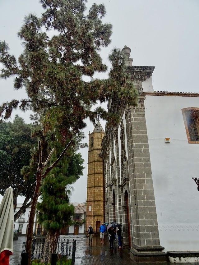 Basilica de Nuestra Señora del Pino, detalle