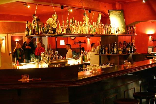 Buschfunk, Bar, Cocktails, Essen