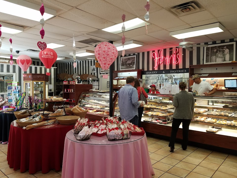 Henri's Bakery & Deli