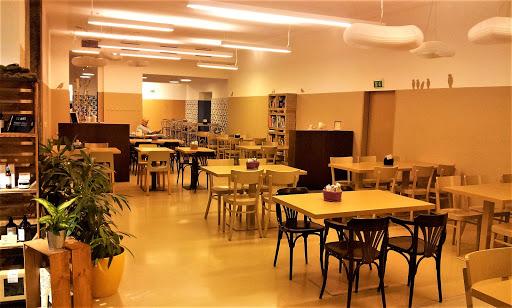 Mangolds Restaurant & Café