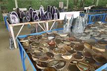 Coleman Rock Shop & Crystal Mines -Jim, Jessieville, United States