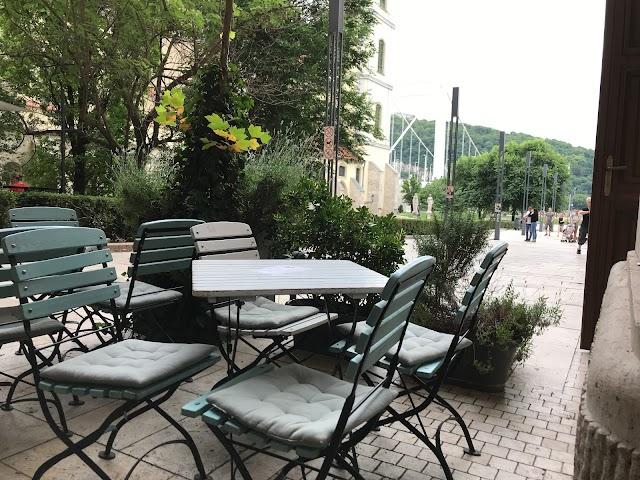 Cafe Contra